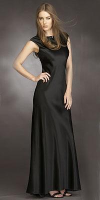 Fotos de mujeres con vestido negro