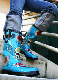 rainboots_on