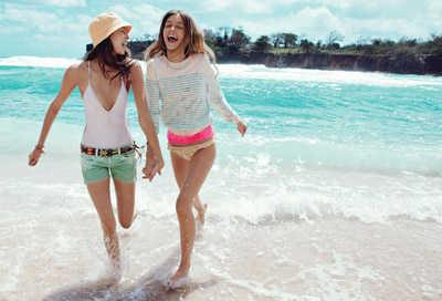 beach-essentials-teen-vogue-june-09
