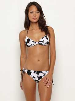 b7ca79e0796 Claro que a todas las mujeres no les agrada usar traje de baño de 2 piezas  y prefieren usar un enterizo