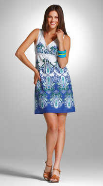 Vestido azul con blanco que zapatos
