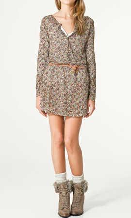 Que zapatos usar con vestido corto floreado