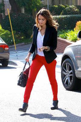 Cu00f3mo combinar pantalones rojos u00a1tendencia 2012! | Web de la Moda