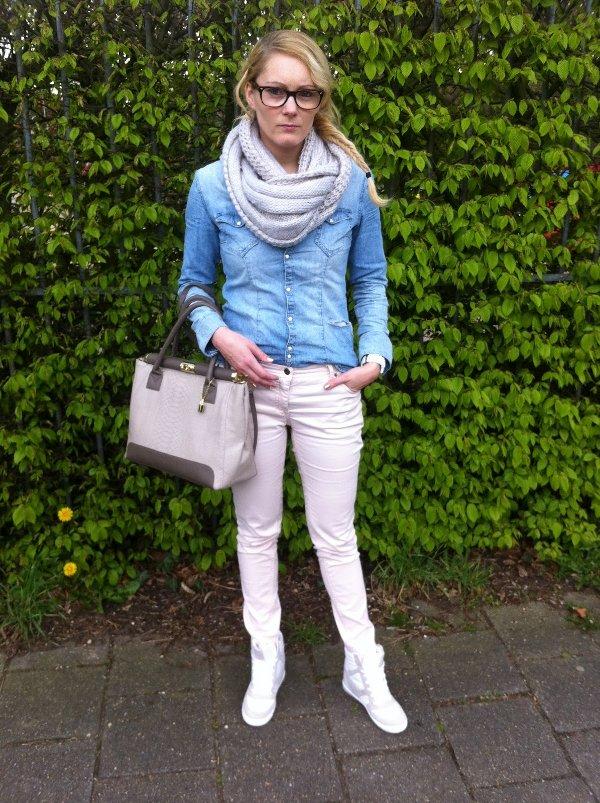 U00a1Aprende a llevar con estilo tu blusa denim! | Web de la Moda