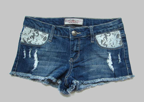 No matter what style of you prefer, American Eagle has the best women's short fits and styles. Our women's jean shorts and cutoffs are available in ultra-comfortable Ne(x)t Level stretch, to give you a fit that holds its shape and moves with you for the most comfortable jean shorts you've ever tried on.